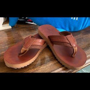 Old navy flip flop sandals boys size 10/11